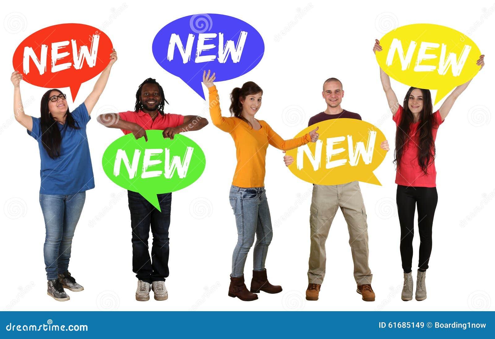 Nowa promocyjna ogłoszenie grupa szczęśliwi młodzi ludzie trzyma mowę