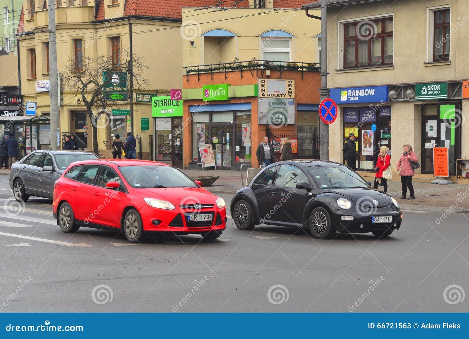 Nowa VW ściga na ulicie