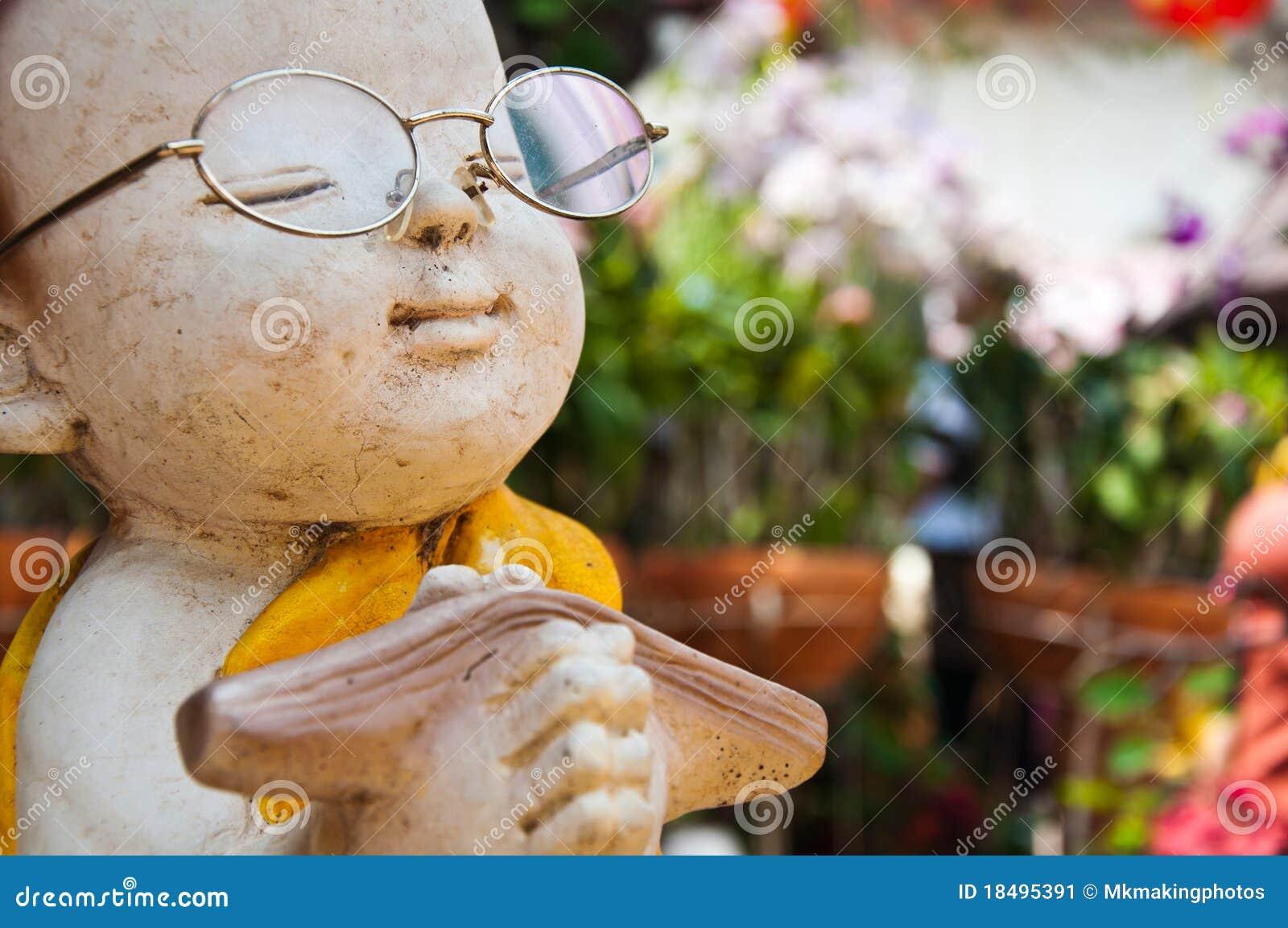 Nowicjusz buddyjska statua
