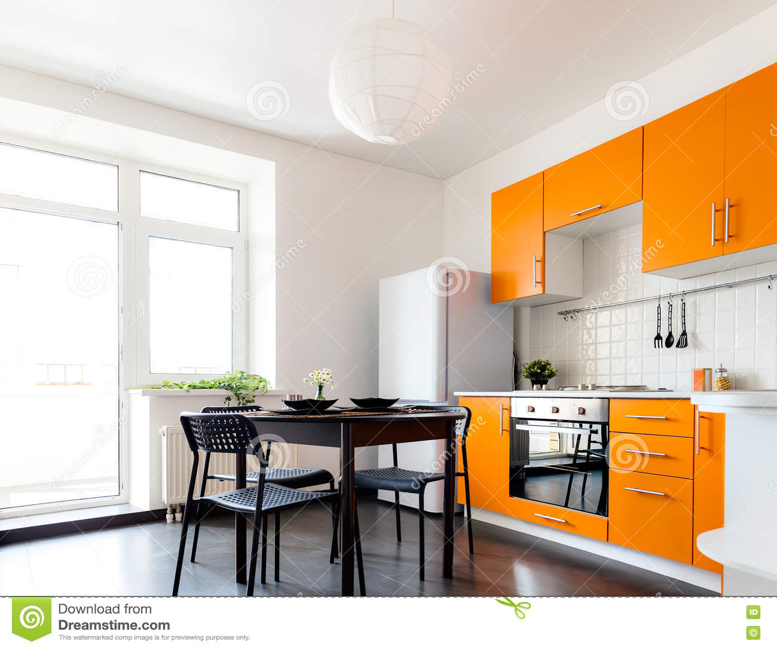 Nowożytna Pomarańczowa Kuchnia Zdjęcie Stock Obraz