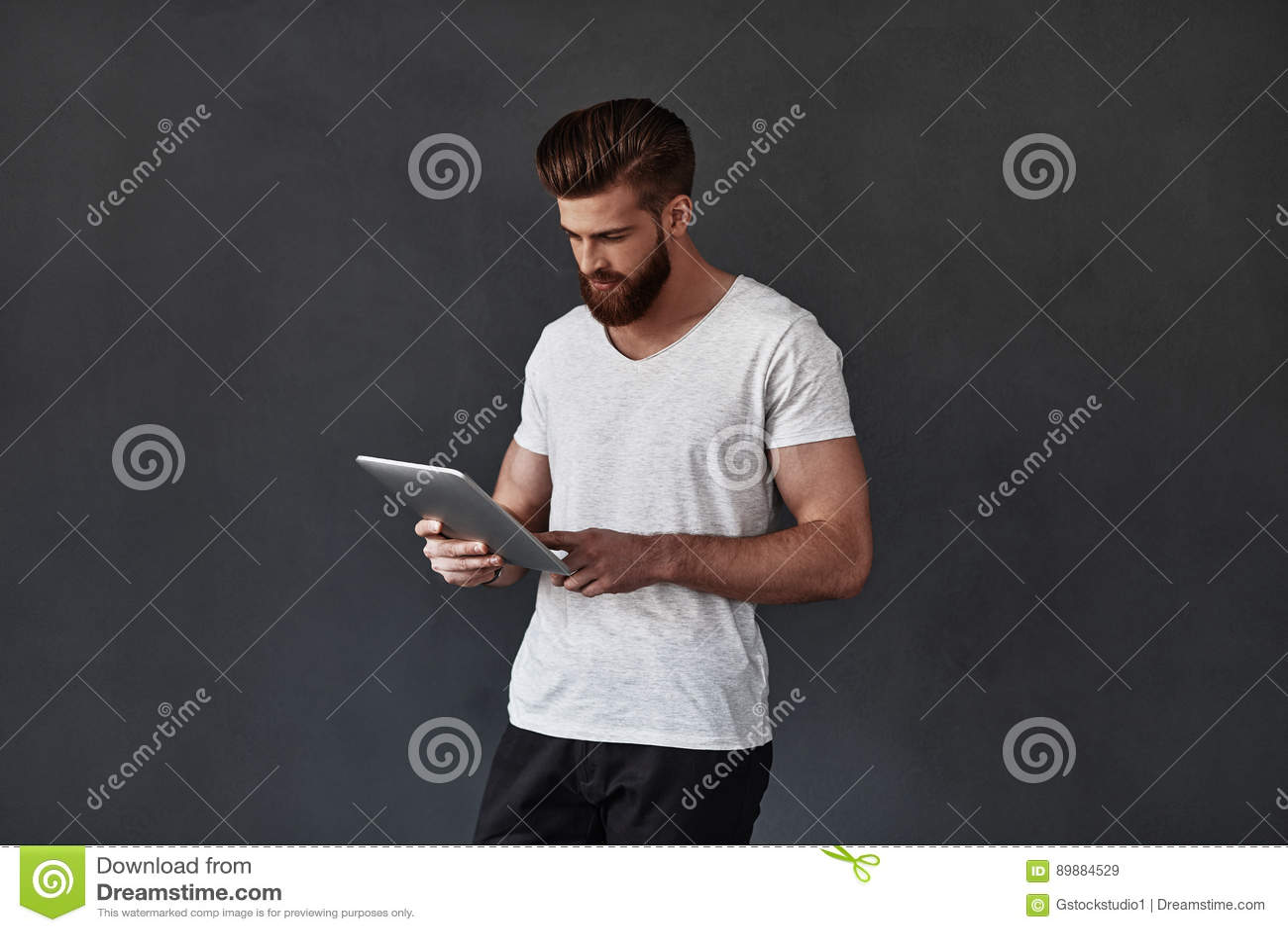 Nowożytny używać technologii