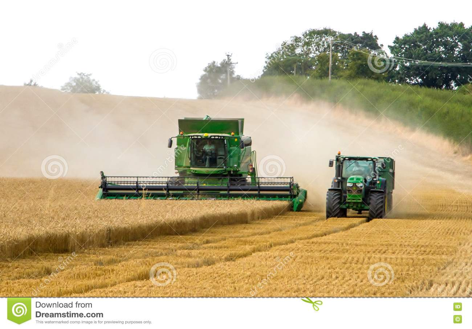 Nowożytnych 9780i cts John deere syndykata żniwiarza tnących upraw kukurydzany pszeniczny jęczmienny pracujący złoty pole