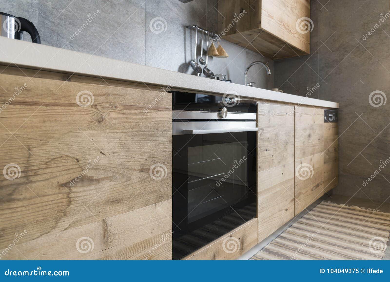 Nowoczesna Kuchnia Drewna Obraz Stock Obraz Zlozonej Z Nierdzewny