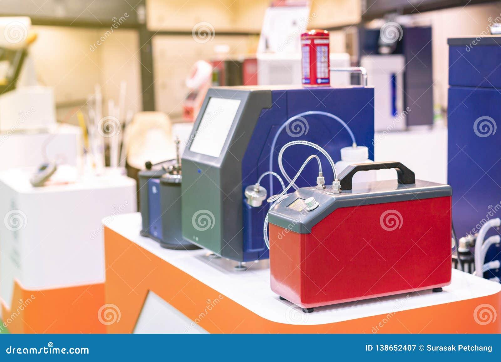 Nowoczesna technologia i automatyczna błyskawiczna cząsteczki obliczenia ro koncentracja tankuje lubricants ciecz & lotniczej pró