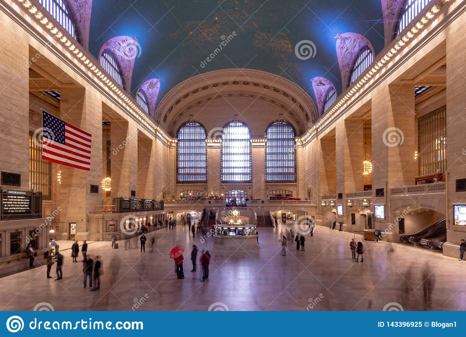 Nowy Jork NY, Stany Zjednoczone, Mar,/- 25, 2019: Krajobraz wnętrze Uroczysty Stacyjny Śmiertelnie w Manhattan