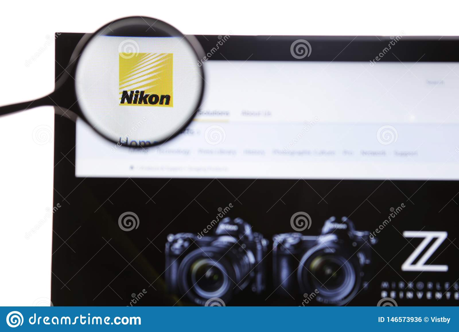 Nowy Jork, usa - Marzec 25, 2019: Illustrative artyku? wst?pny strona internetowa dla Nikon Korporacja, japo?czyk wielonarodowy