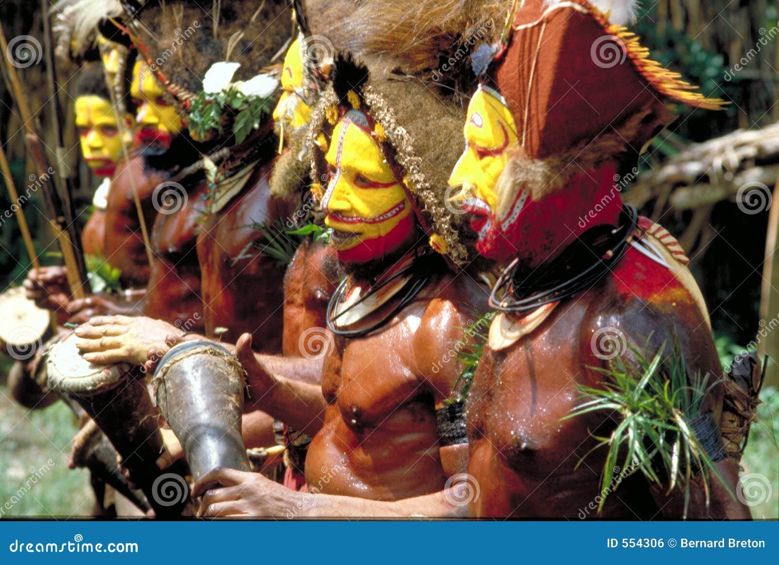 Nowy taniec gwinei Papua