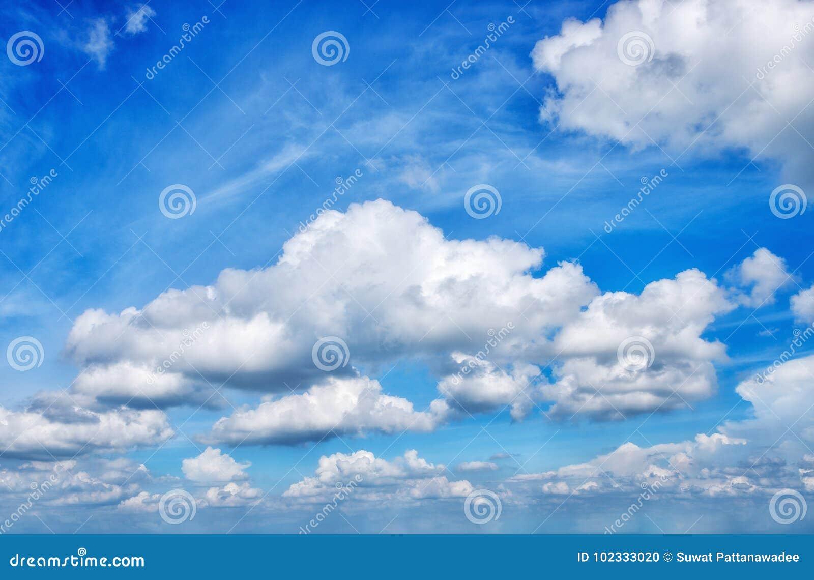 Nuage et ciel bleu