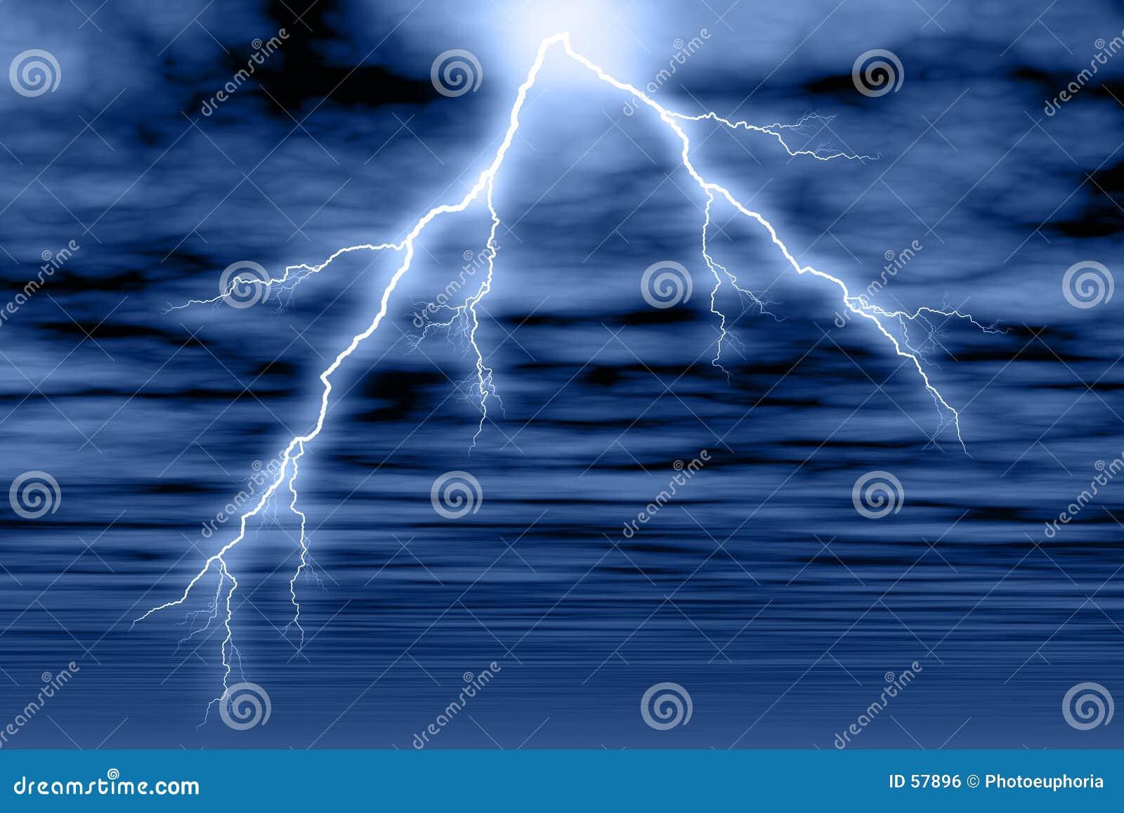 Nube y relámpago de tormenta