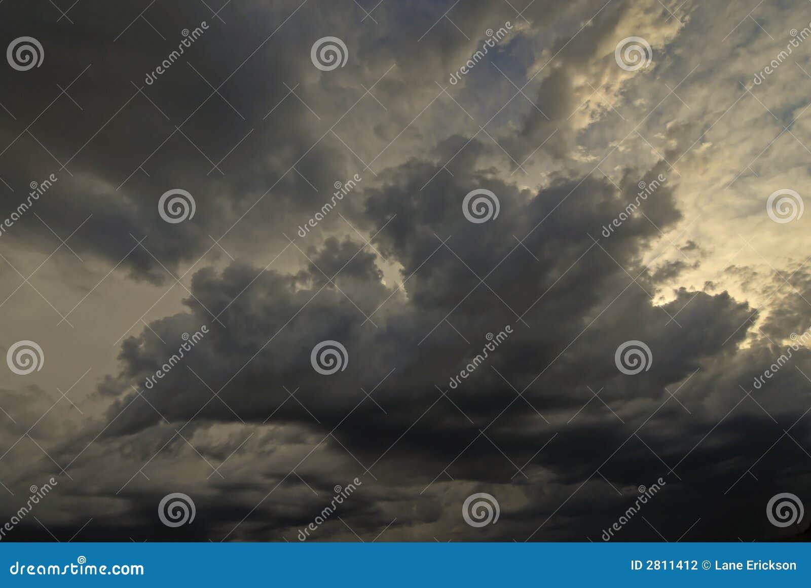 Nubi in cielo blu