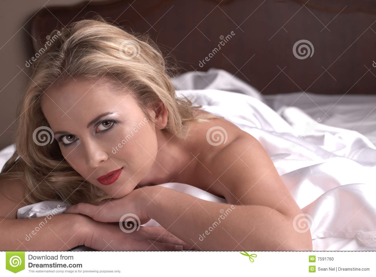 Adult nude woman picture