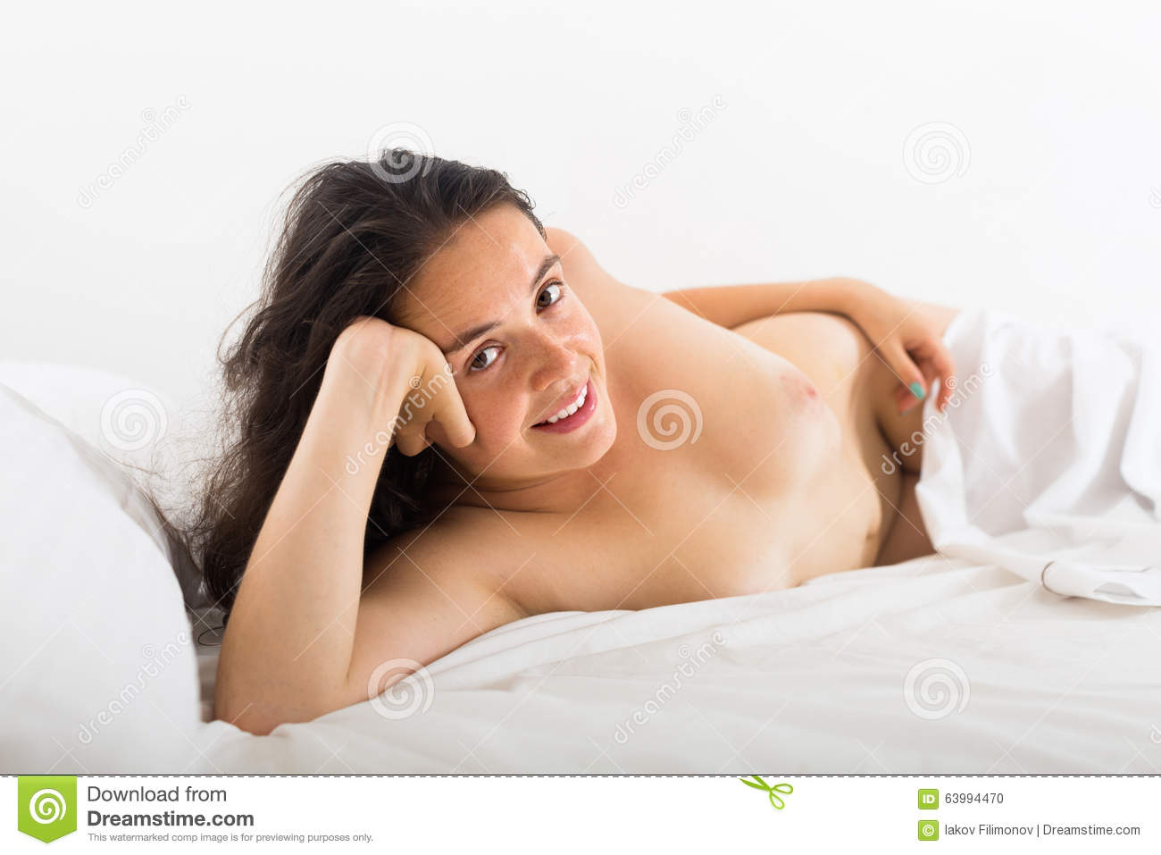 girls naked in bed fuckin