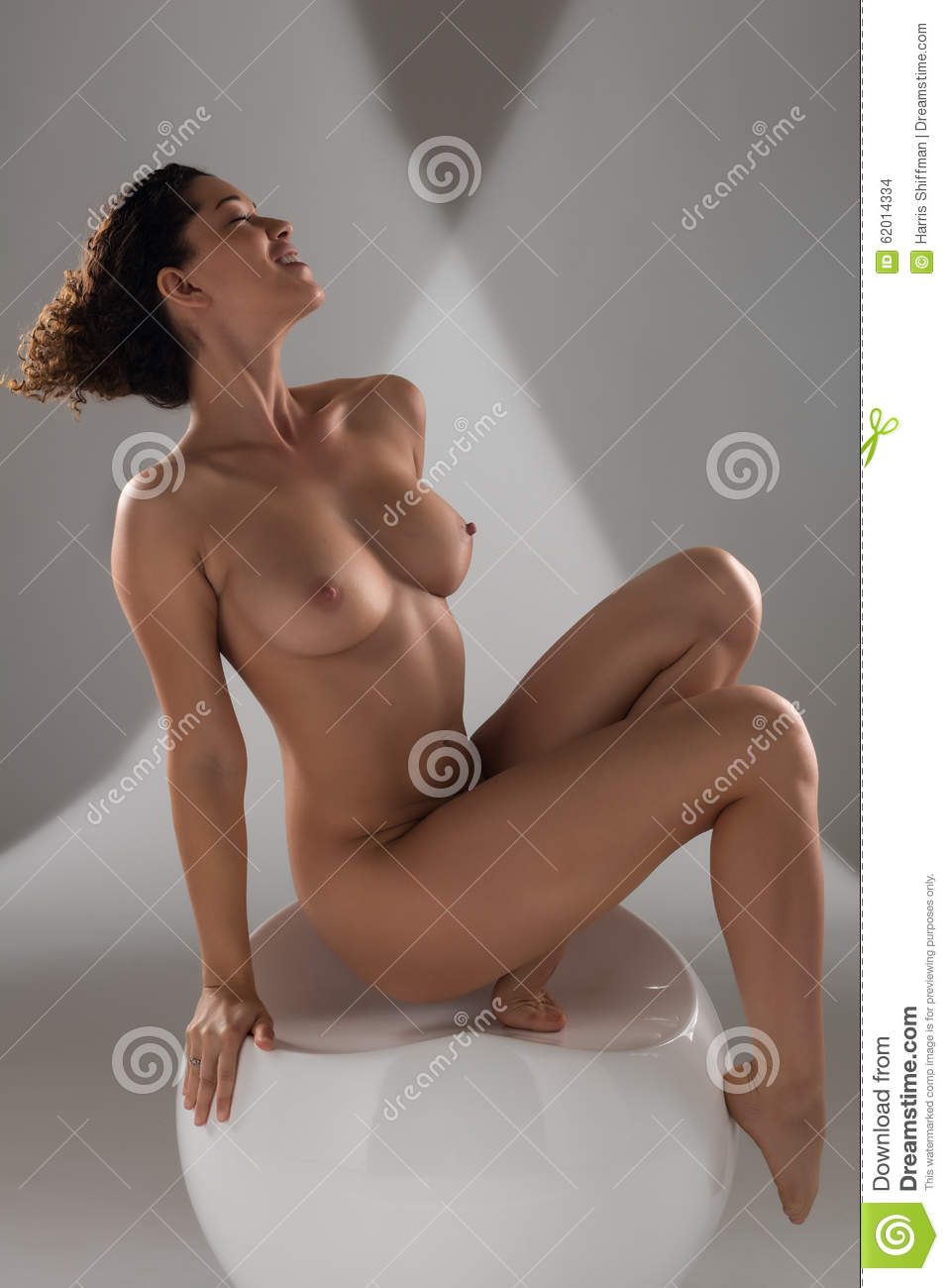 Can curly women nude