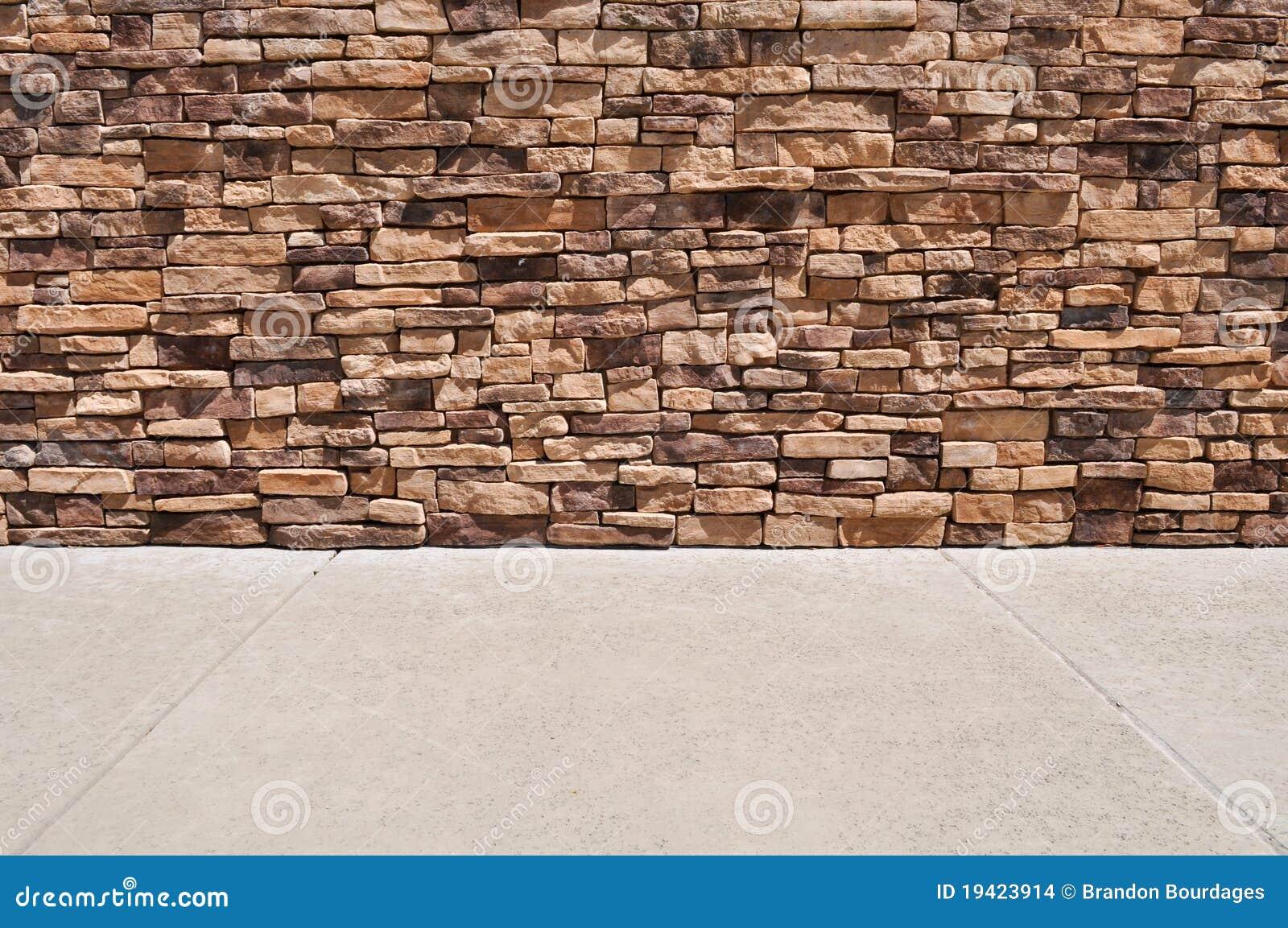 Nueva acera de la pared de ladrillo