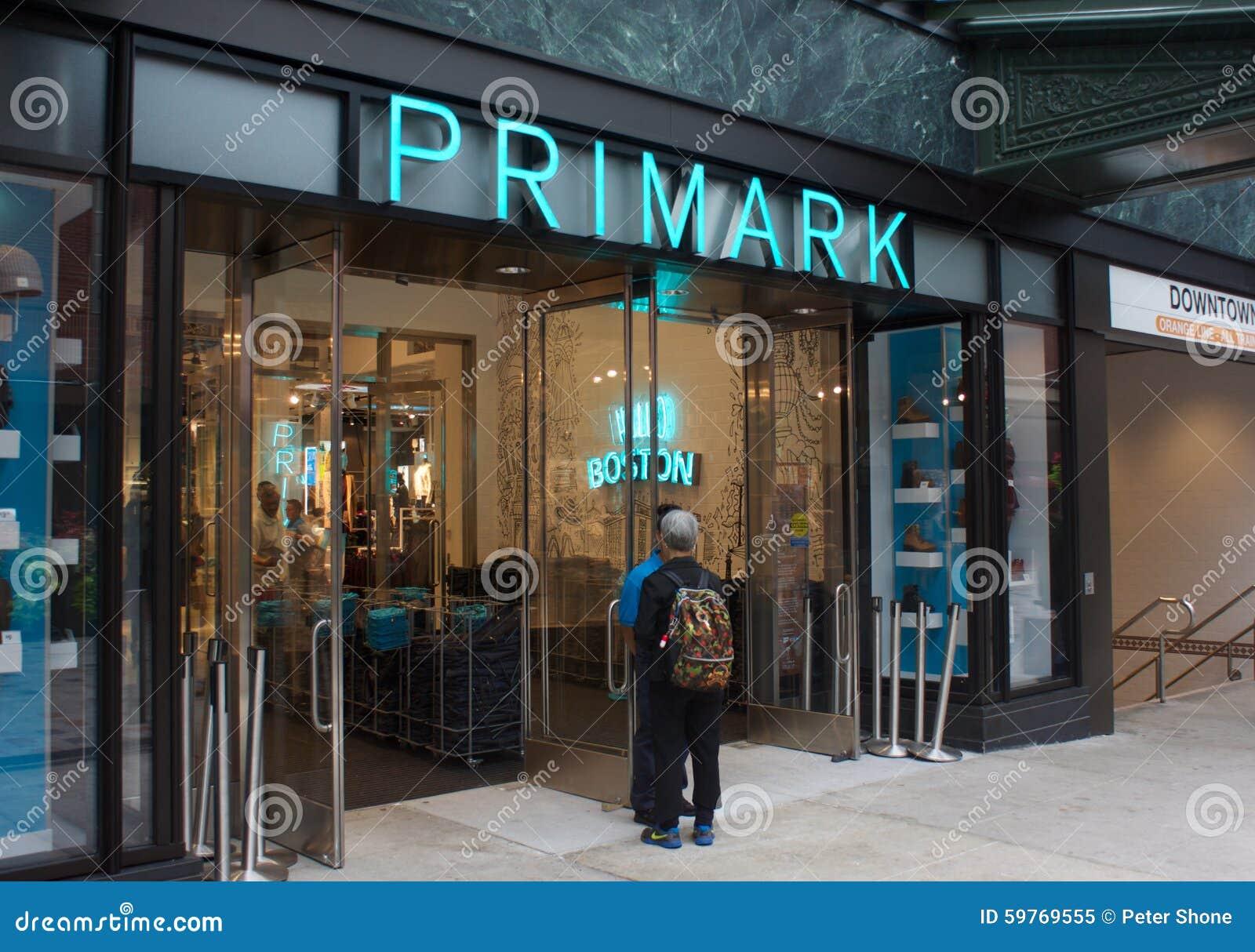 nueva boston massachusetts tienda de primark imagen editorial imagen 59769555. Black Bedroom Furniture Sets. Home Design Ideas