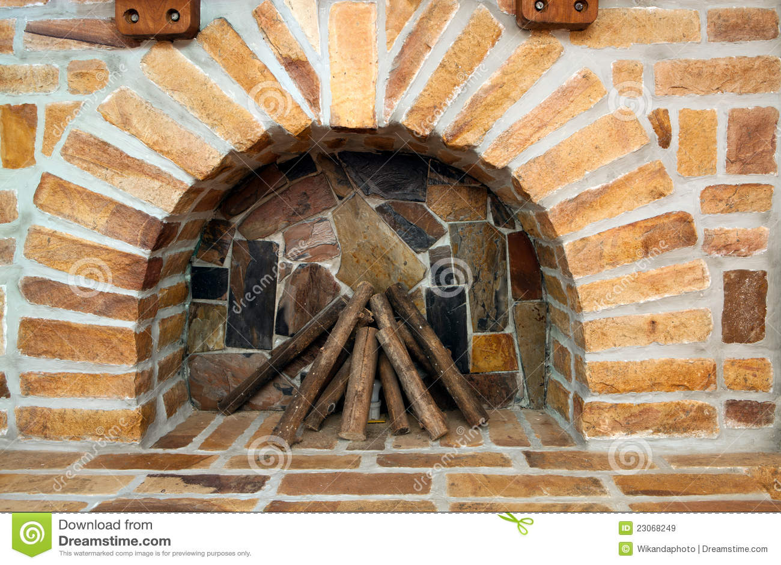 Nueva chimenea del ladrillo imagen de archivo imagen - Chimenea ladrillo ...