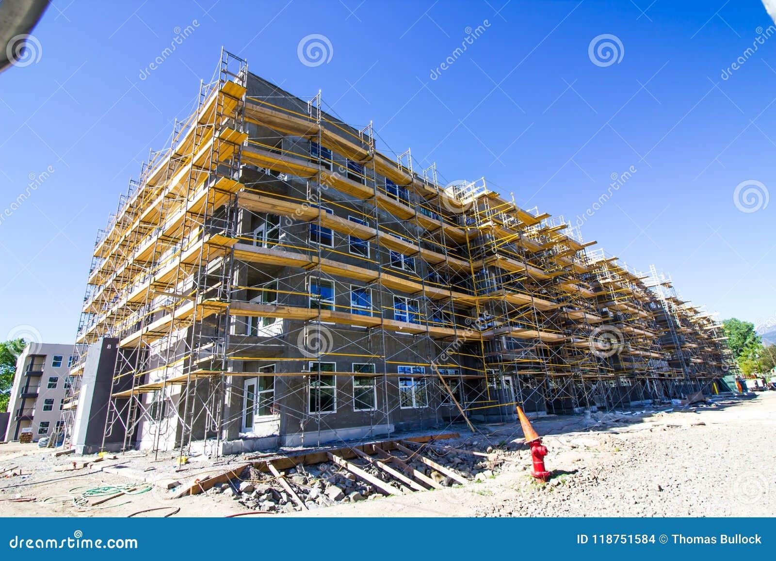 Nueva construcción de apartamentos mayores