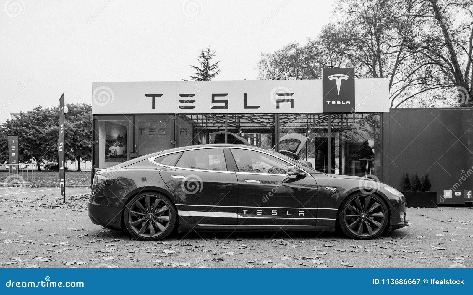 Nueva sala de exposición del modelo S de Tesla
