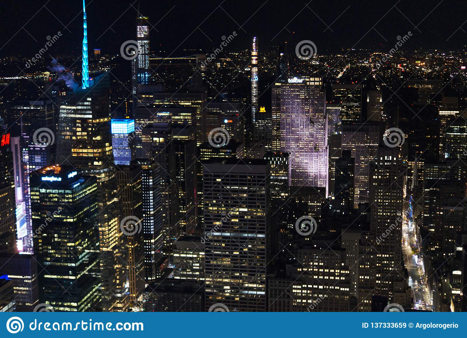Nueva York del cielo en la noche