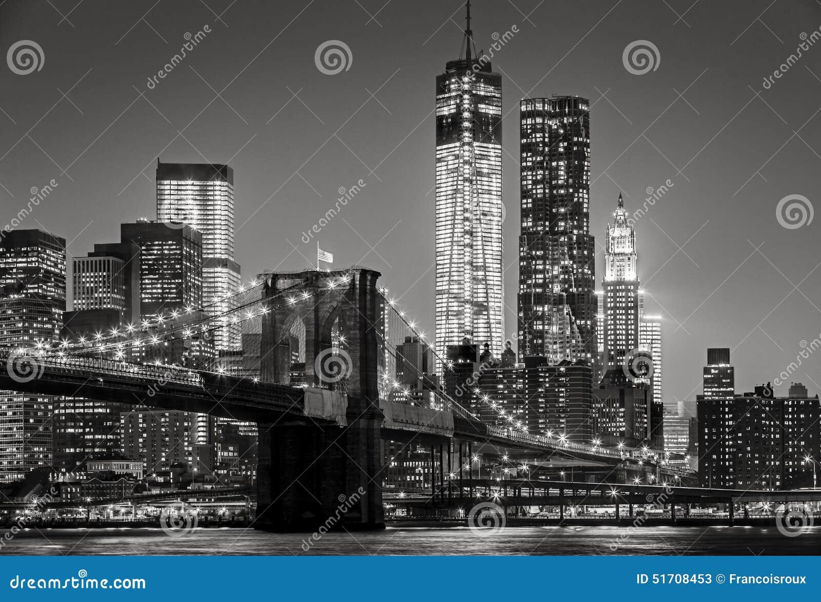 """Nueva York por noche Puente de Brooklyn, negro del †del Lower Manhattan """""""