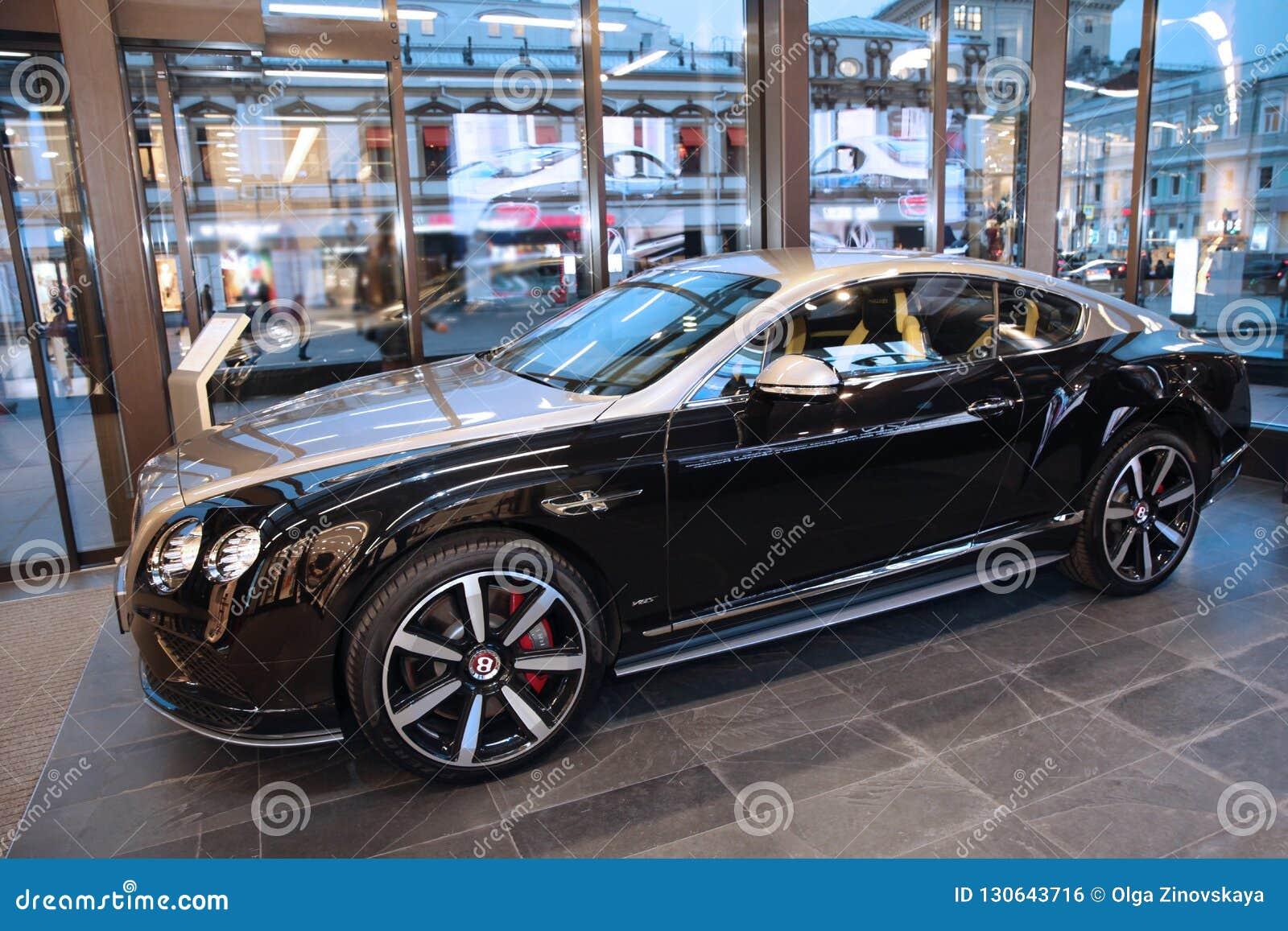 Nuevo Negro Del Modelo Del Coche Bentley De Plata Moscu Tsum 01 11 2018 Foto Editorial Imagen De 2018 Moscu 130643716