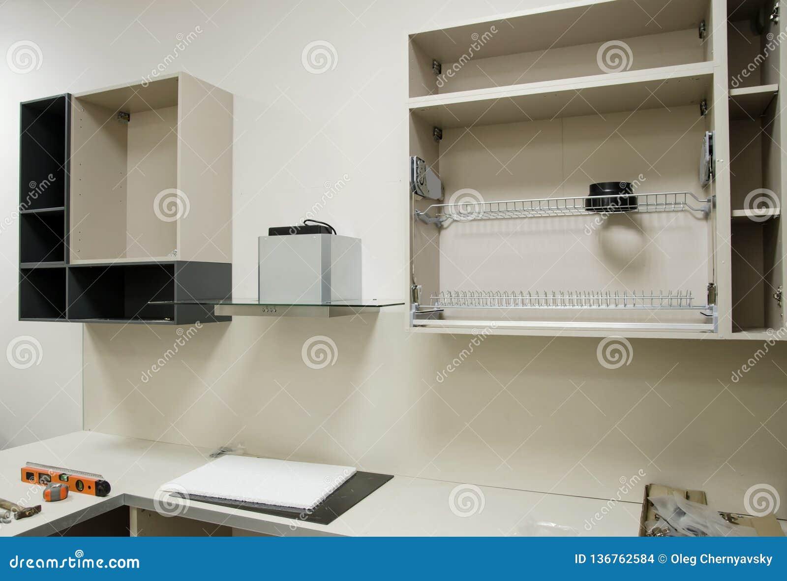 Nuevos Muebles Abiertos De La Cocina Preparados Para Montar ...