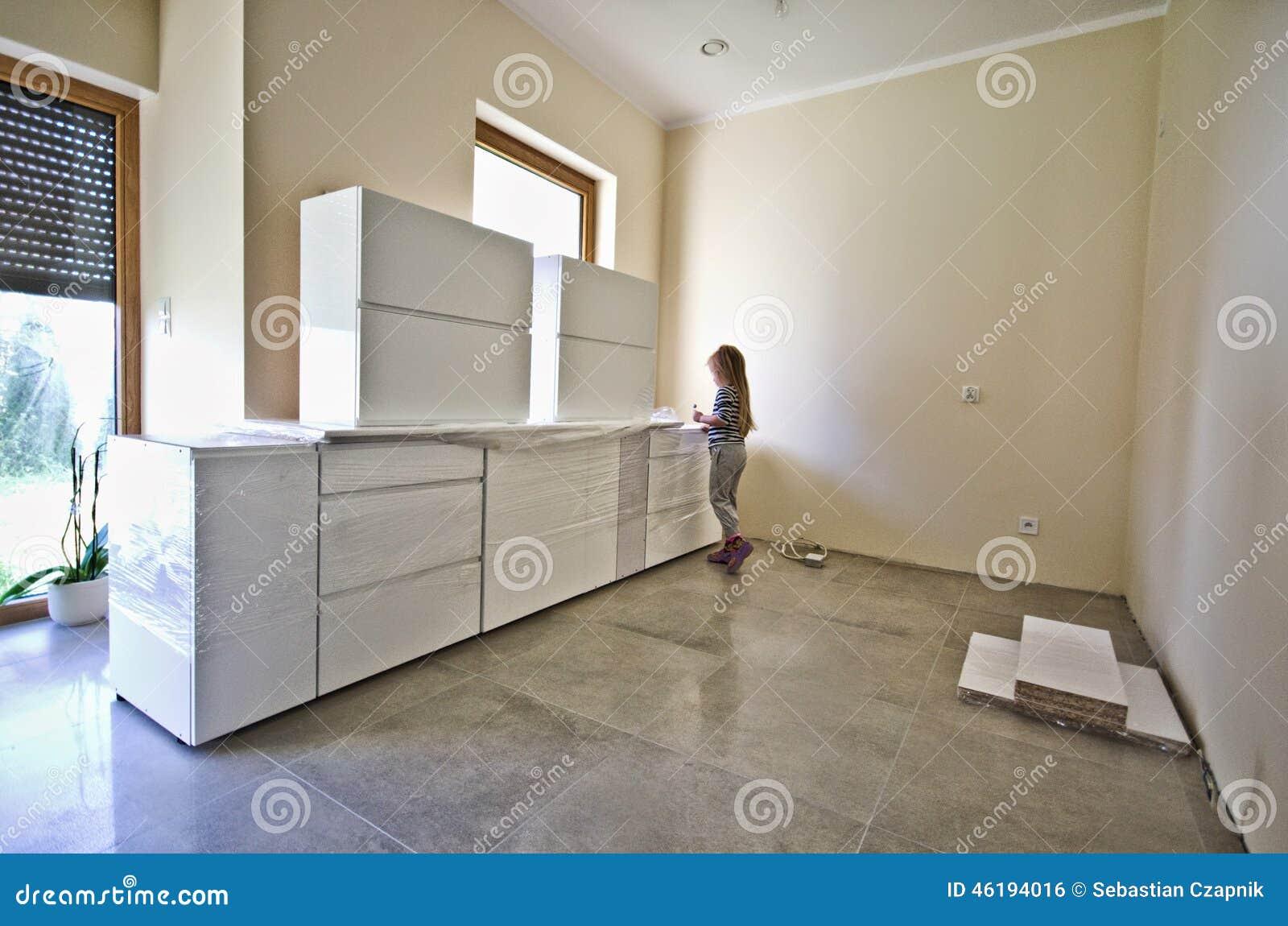 Nuevos Muebles Blancos De La Cocina Foto de archivo  Imagen 46194016