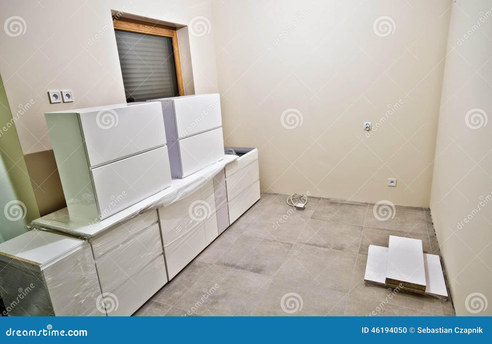 Nuevos Muebles Blancos De La Cocina Foto De Archivo Imagen De  # Muebles Nuevo Hogar
