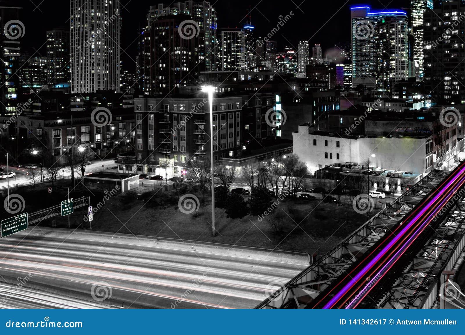 Nuit dans la boucle occidentale à 90 d un état à un autre Rues principales Chicago Longue exposition