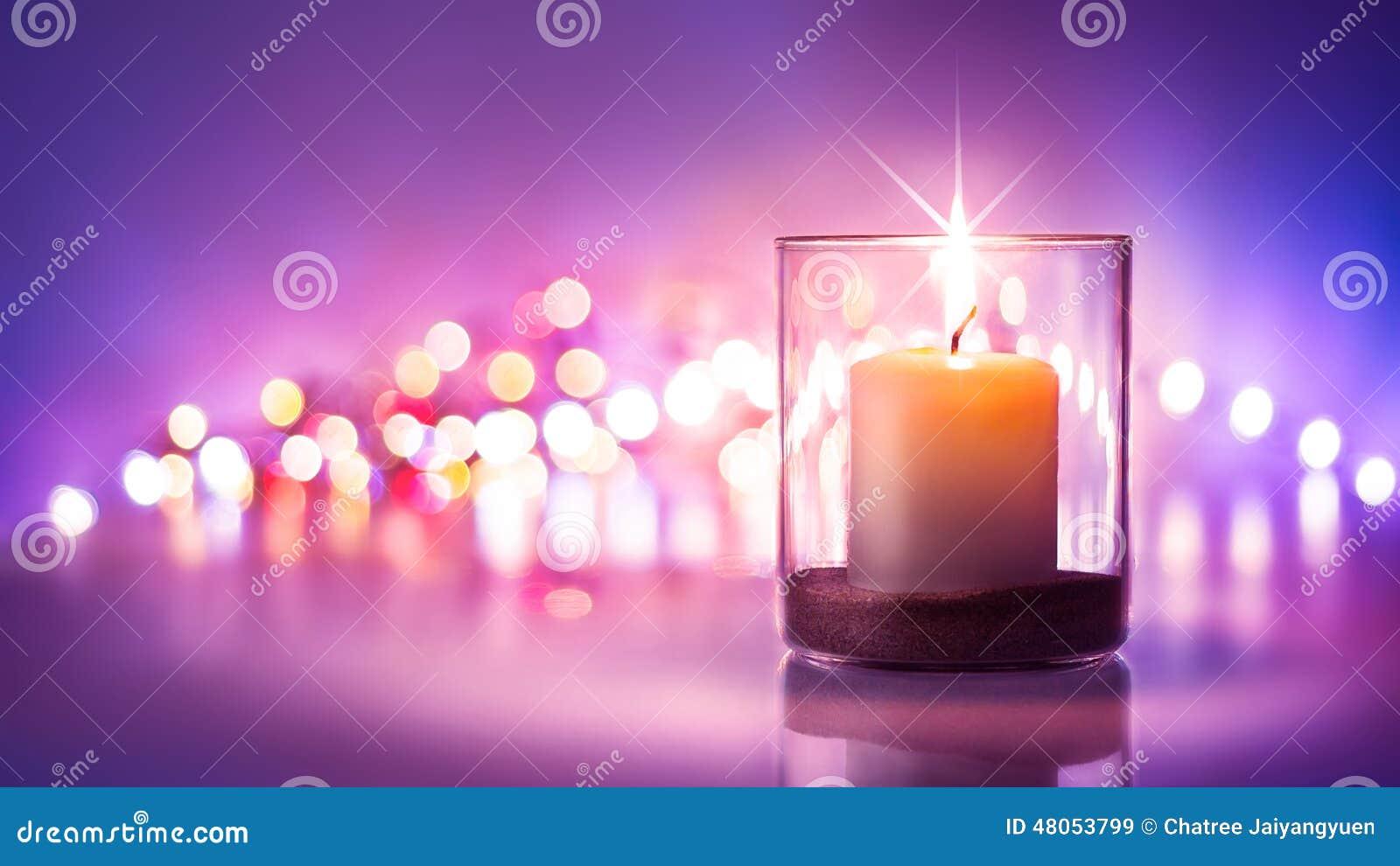 nuit romantique avec le fond de lueur d une bougie et de bokeh nouvelle 233 e ou photo stock
