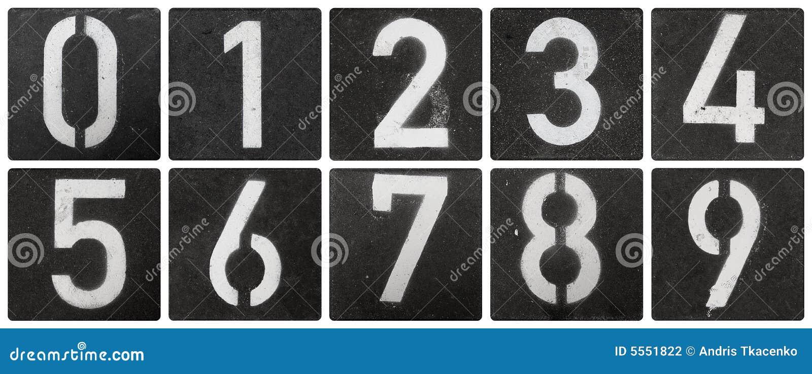Numéros marqués au poncif