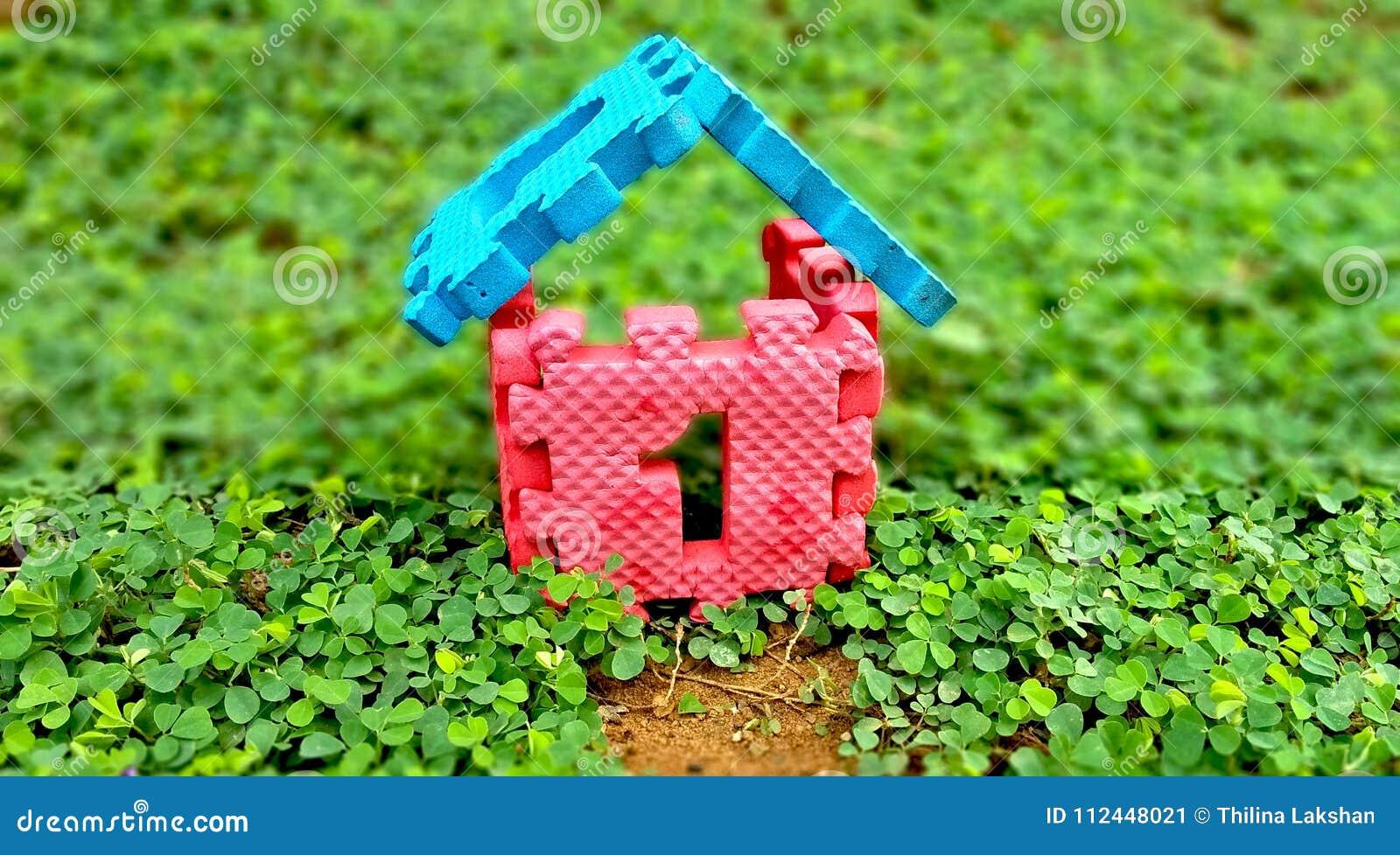 Numere una casa de la venta y de la construcción de la casa de las propiedades inmobiliarias