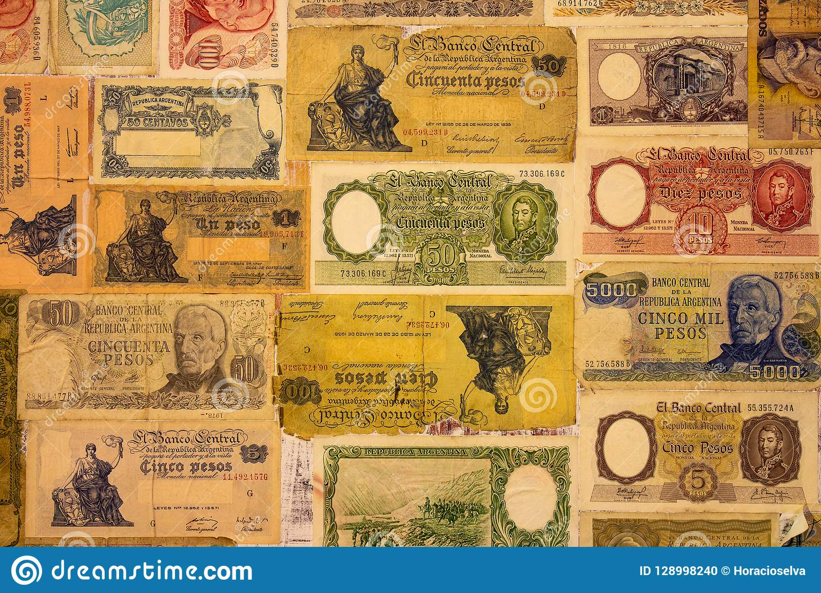 Numerose vecchie banconote della Repubblica Argentina