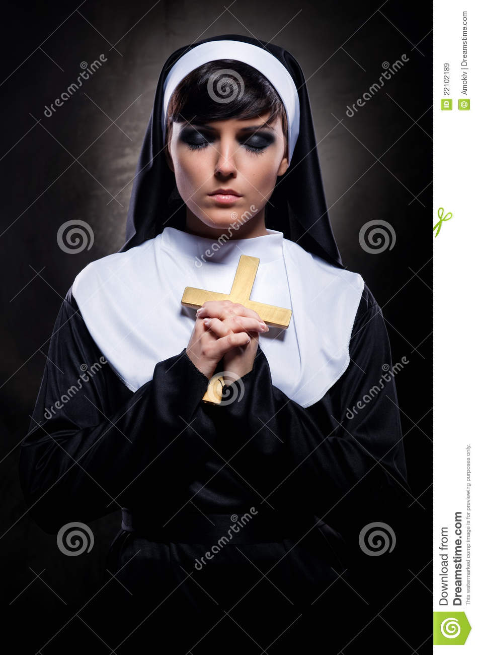 Nun Praying Royalty Free Stock Images - Image: 22102189