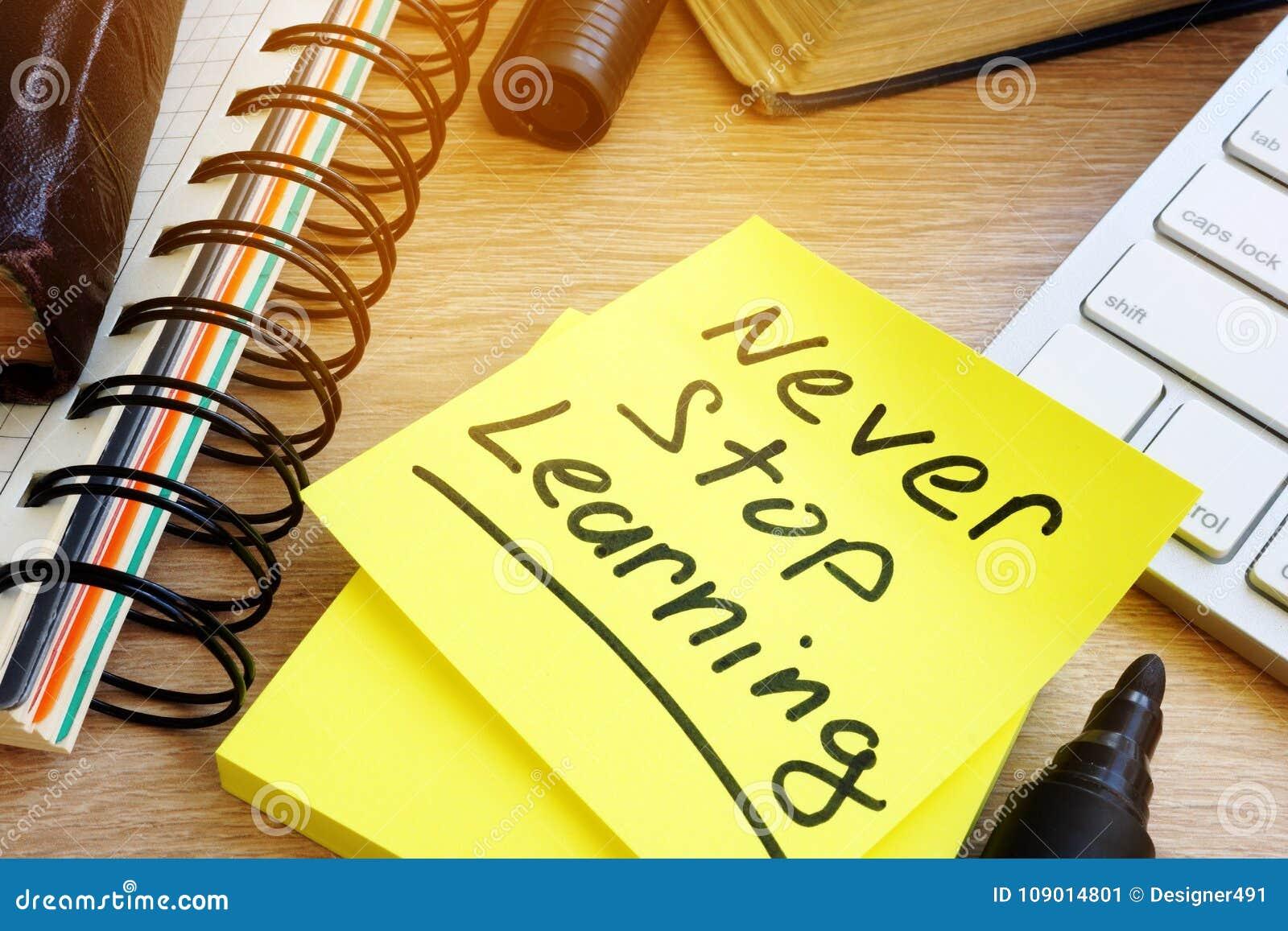 Nunca pare el aprendizaje escrito en un palillo Concepto de la formación continua