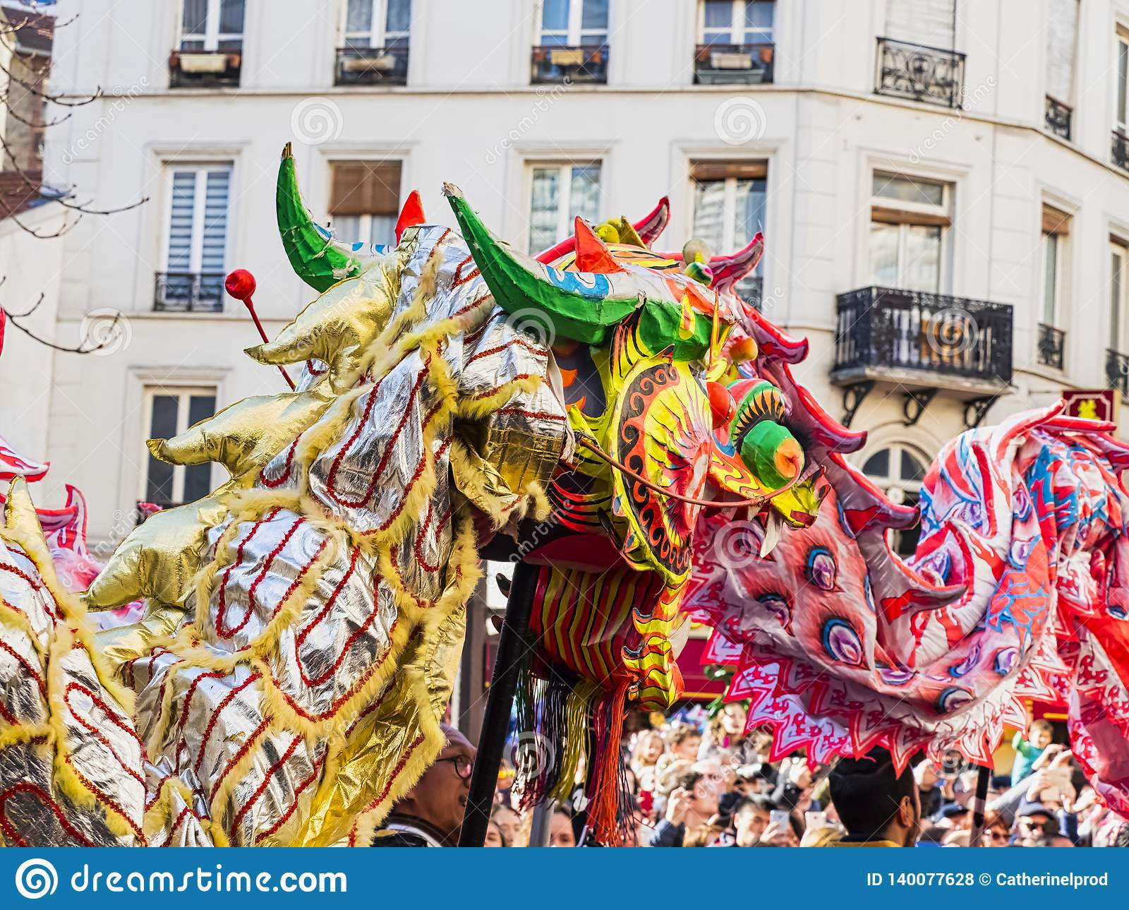 Nuovo anno cinese Parigi 2019 Francia - ballare del drago