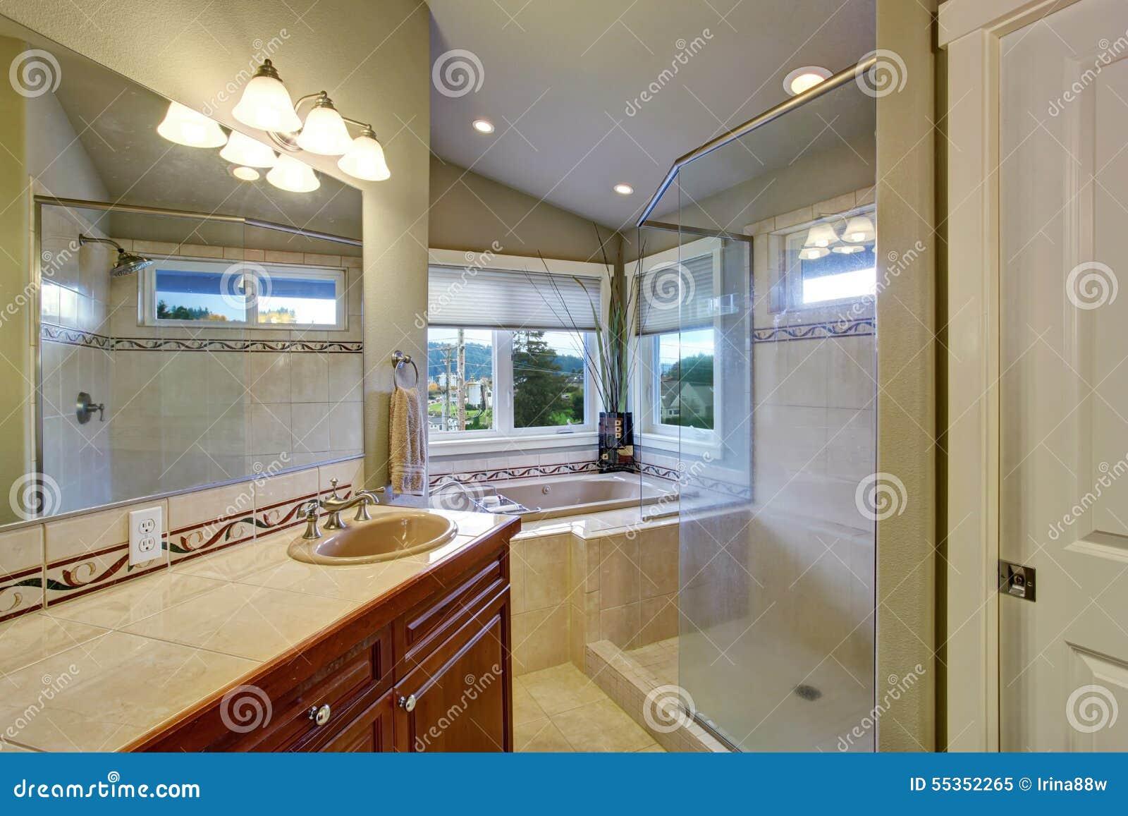 Nuovo bagno collegato alla camera da letto principale