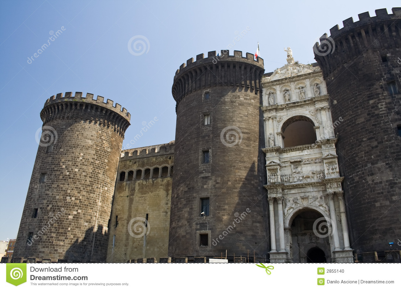 Nuovo castel