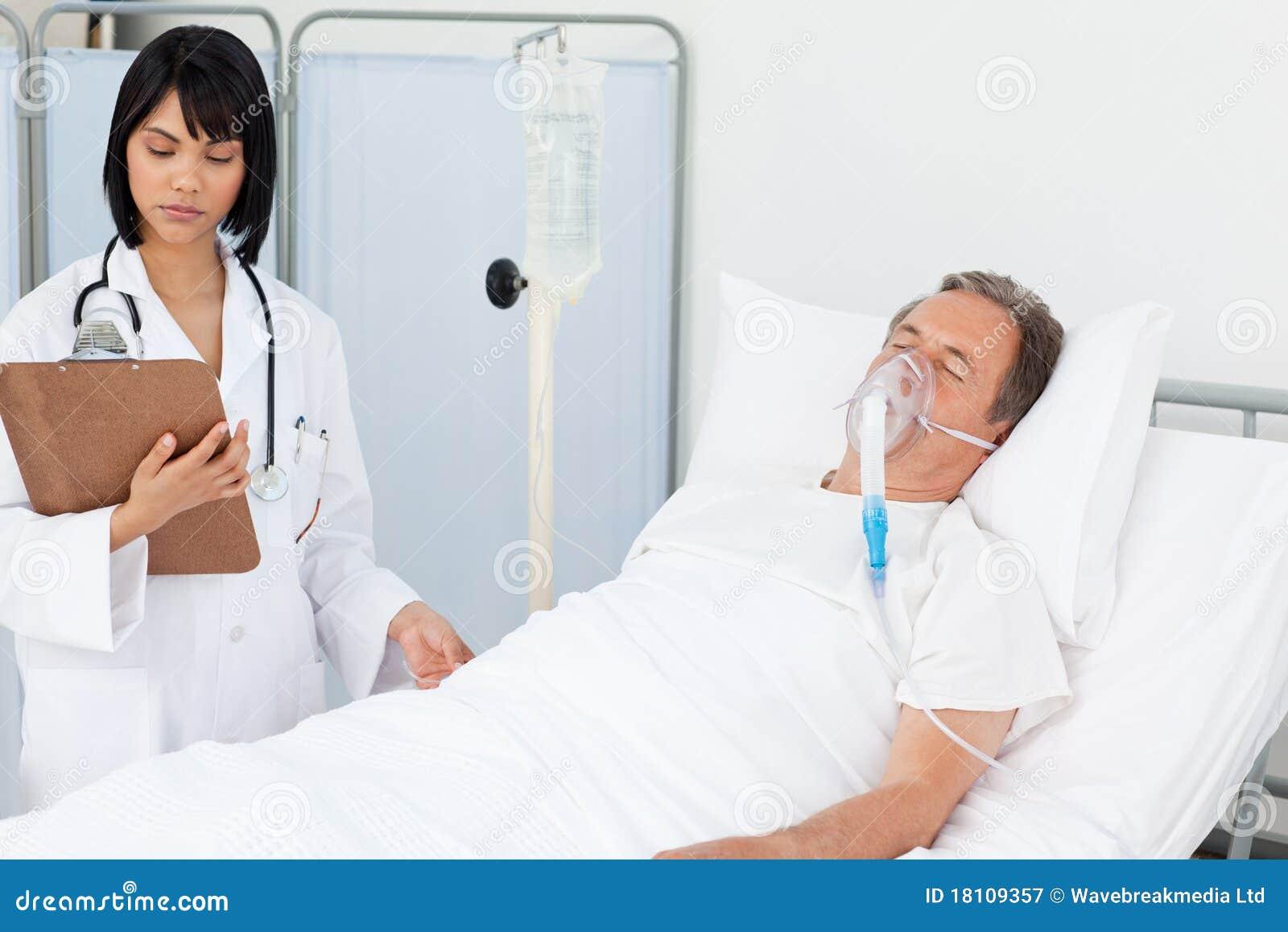 У медсестры в пастели 4 фотография