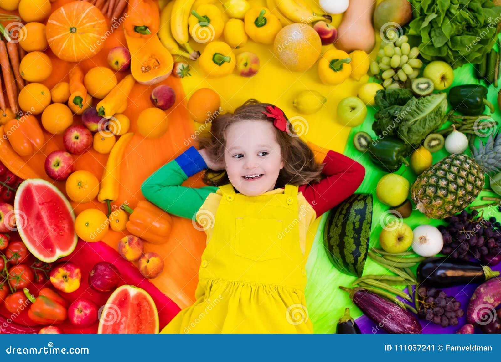 Nutrición sana de la fruta y verdura para los niños
