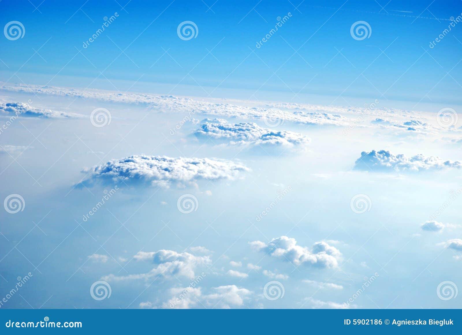 Nuvens de acima, 2008