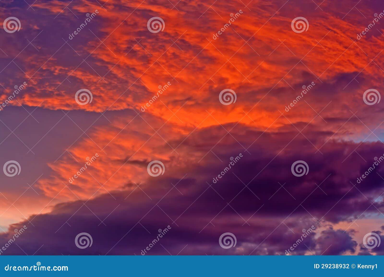 Download Nuvens De Tempestade Dramáticas Foto de Stock - Imagem de perigo, ethereal: 29238932
