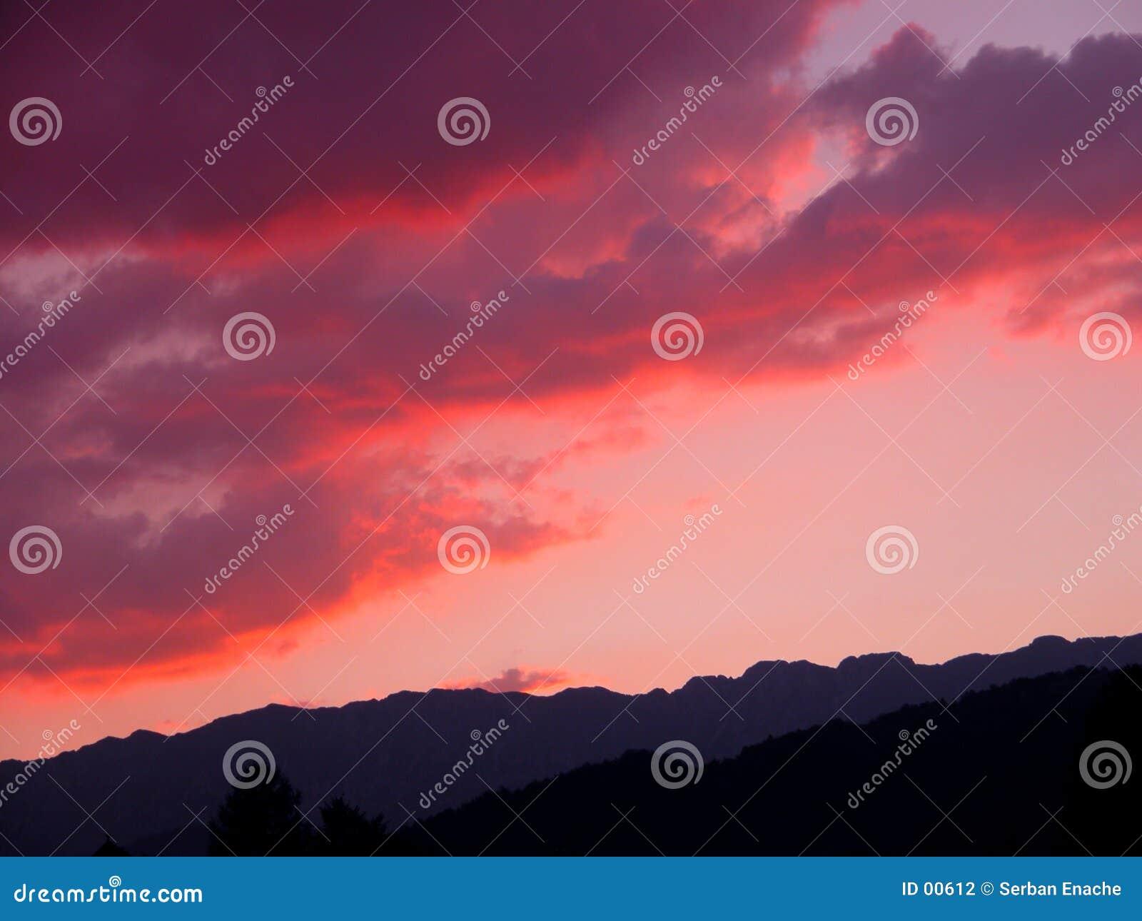 Nuvens vermelhas