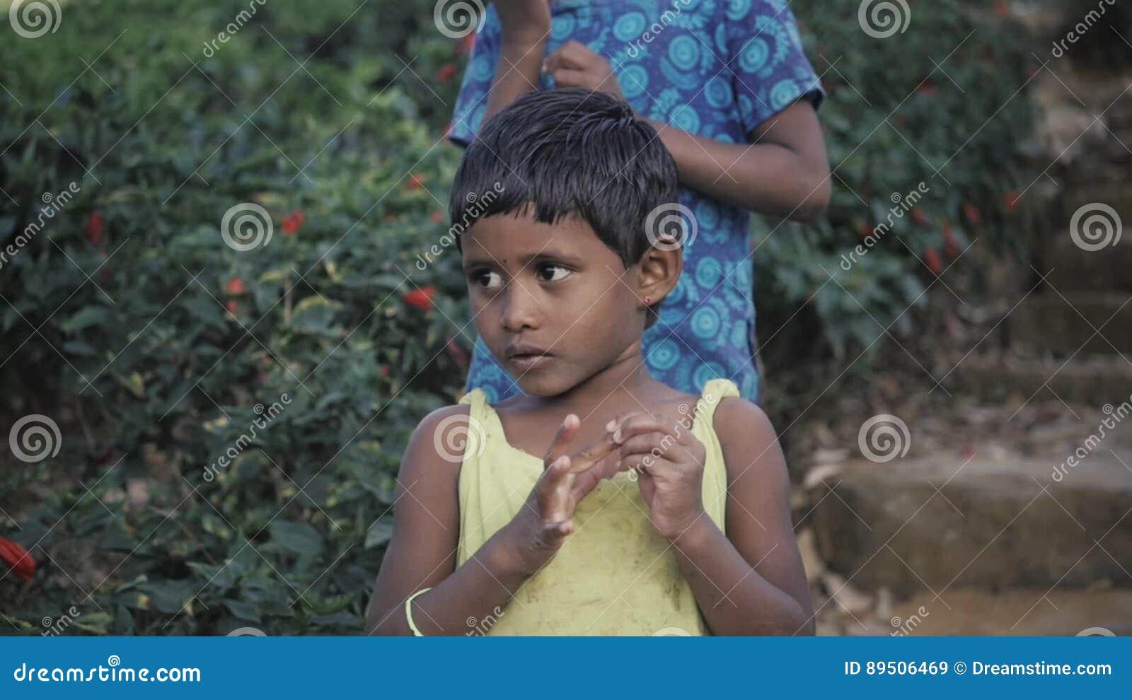 Rilanka saxy images boy girl