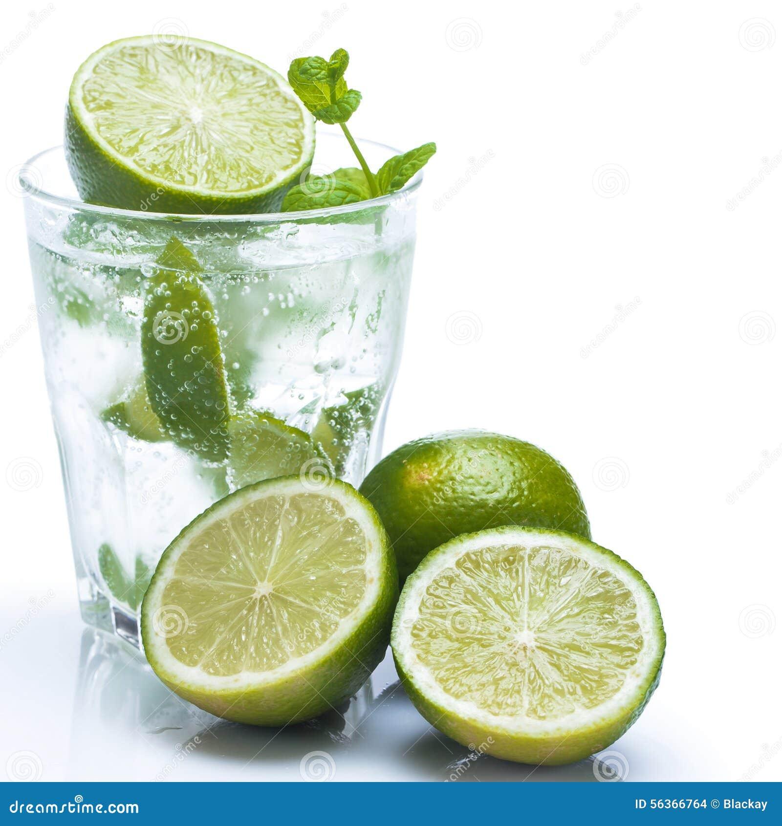 Ny drink med limefrukt och mintkaramellen
