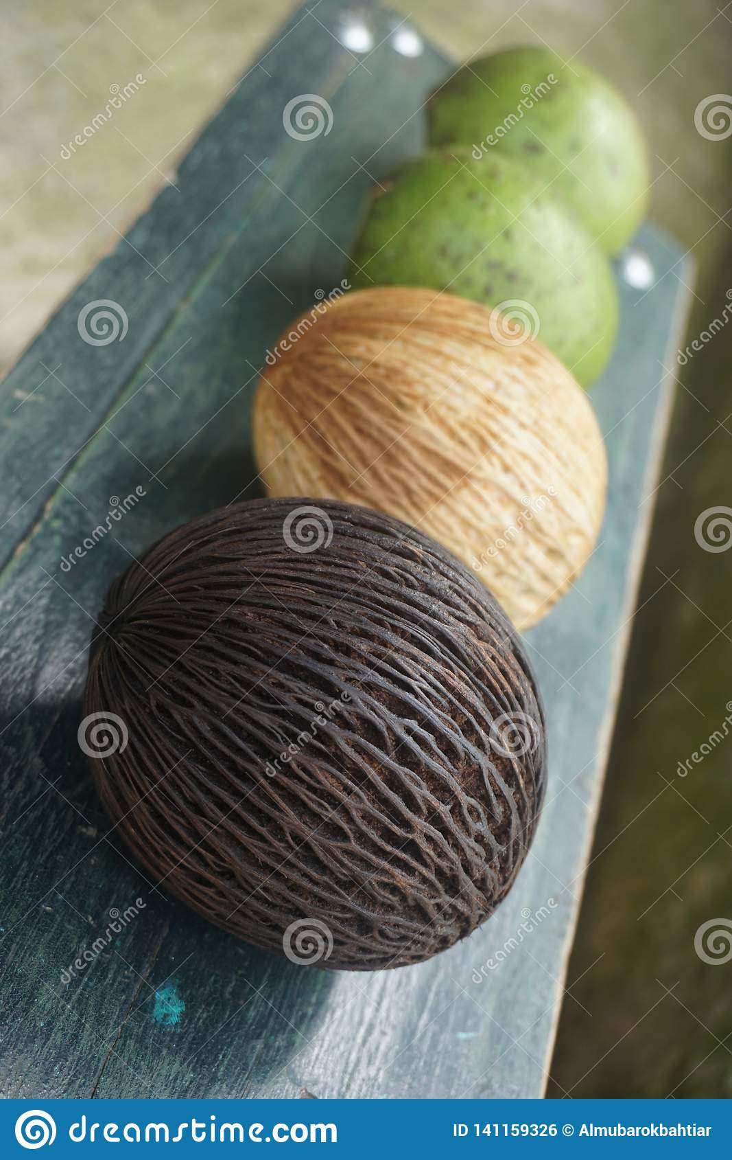Ny frukt och guavafrukt
