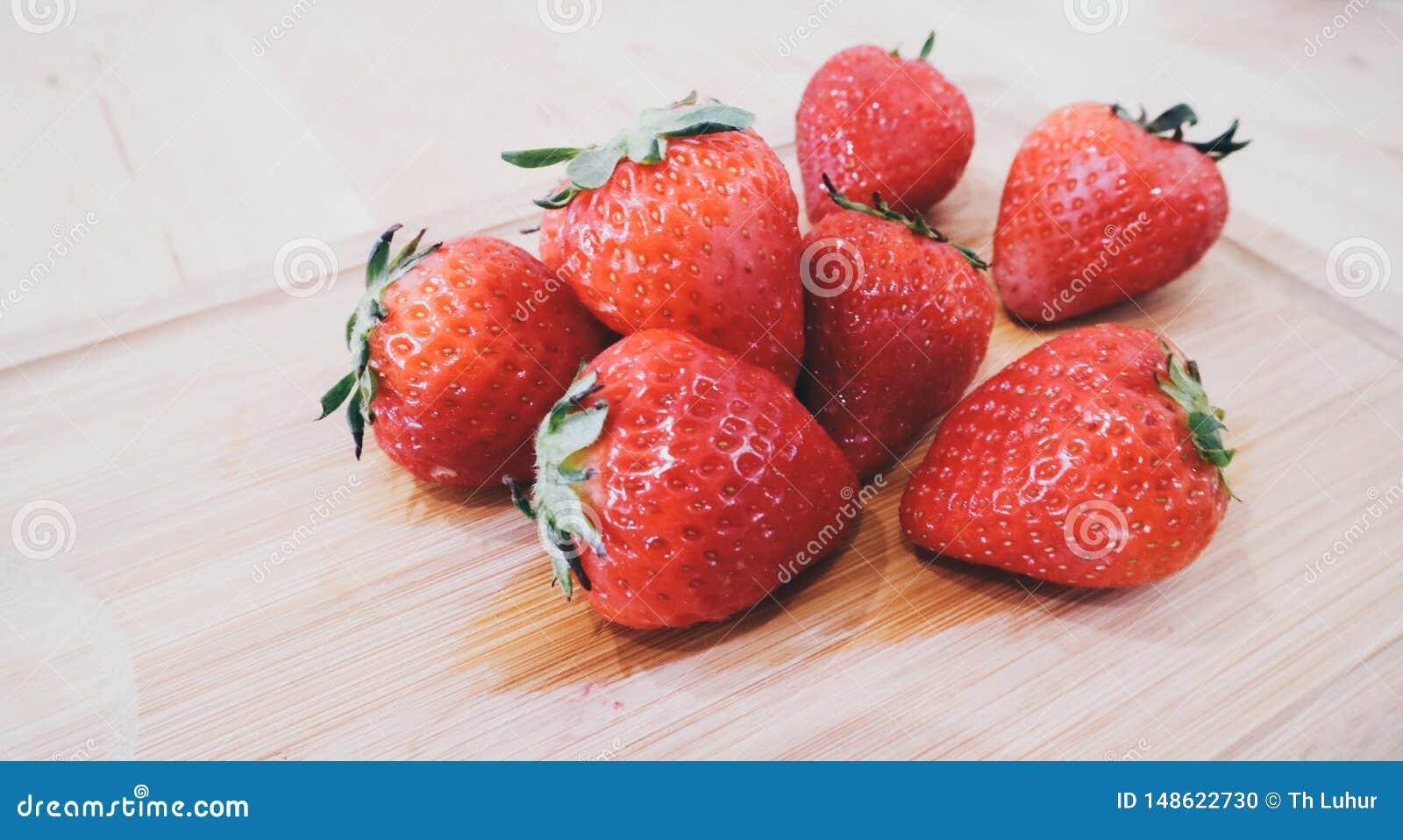 Ny frukt valde direkt fr?n tr?dg?rden i Indonesien