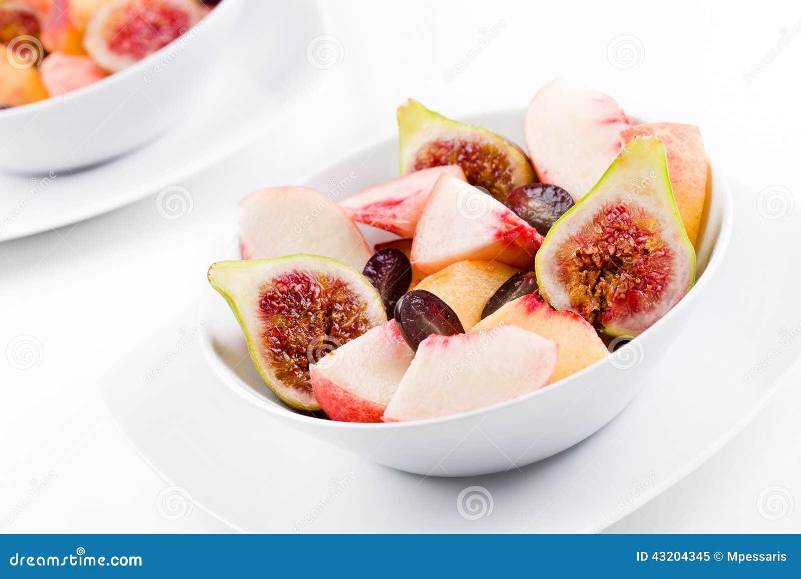 Download Ny fruktsallad fotografering för bildbyråer. Bild av sallad - 43204345