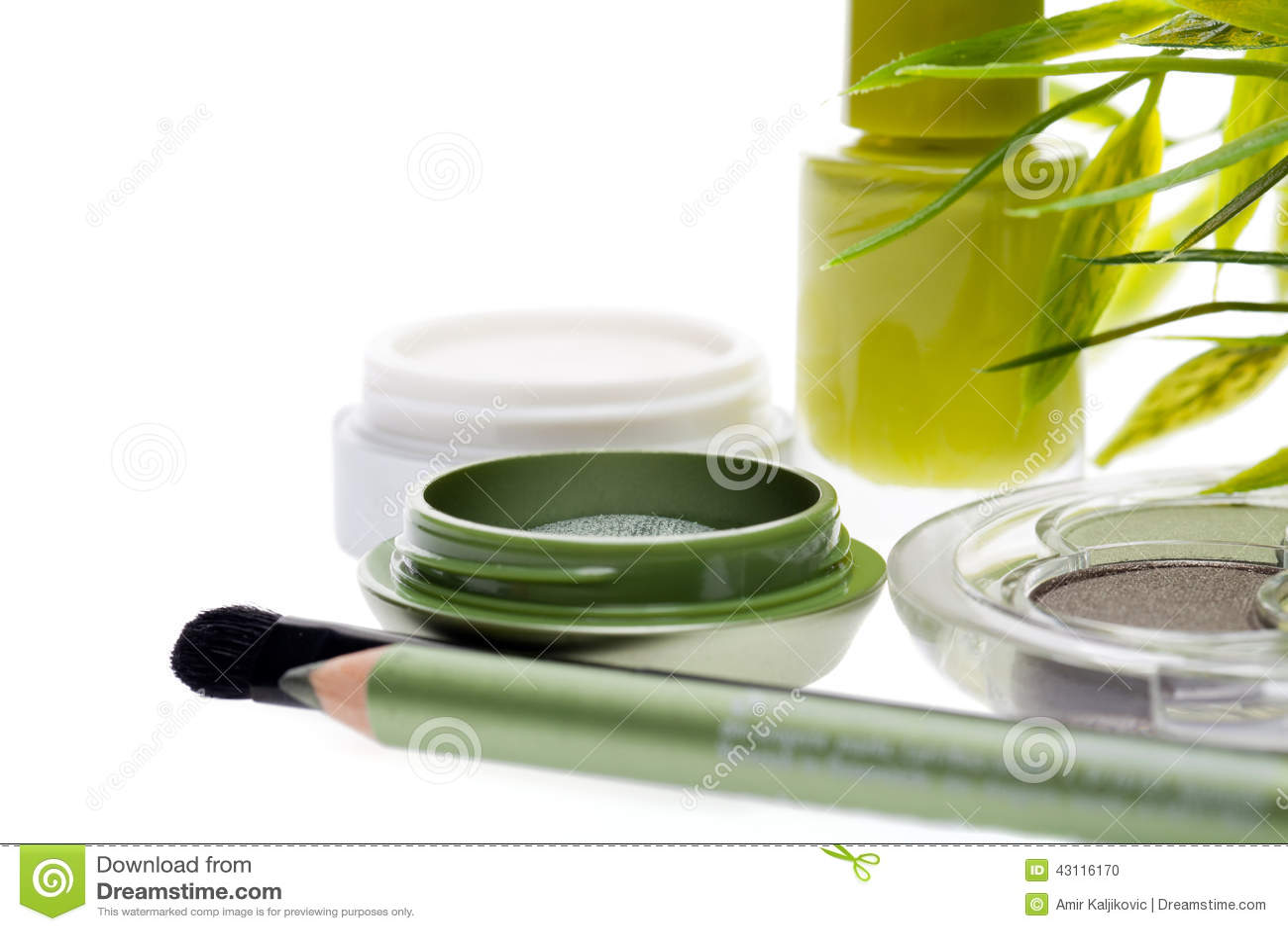 Ny grön skönhetsmedeluppsättning med bambusidor