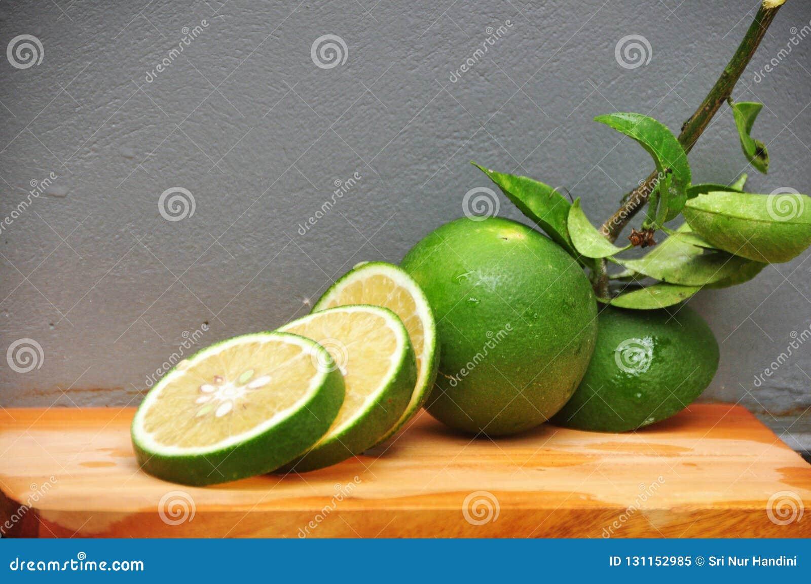 Ny limefrukt
